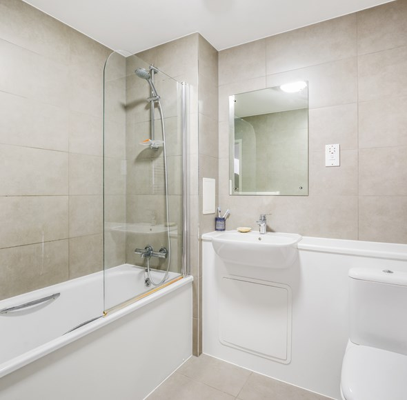 Bathroom at 21 Mulberry Apartments.jpg