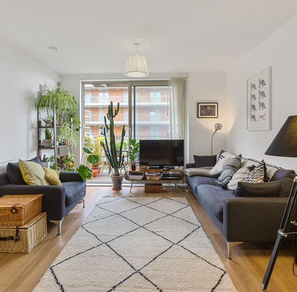 Lounge L1 at 21 Mulberry Apartments.jpg
