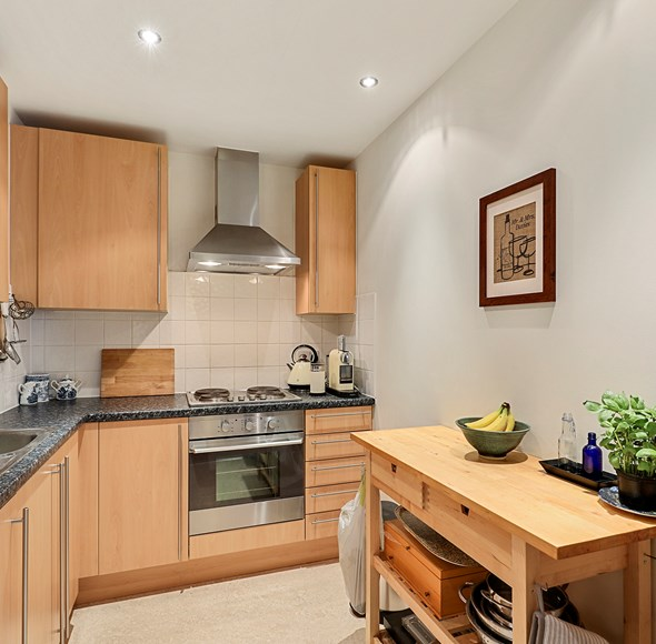 Kitchen at 46 Drapers Court.jpg