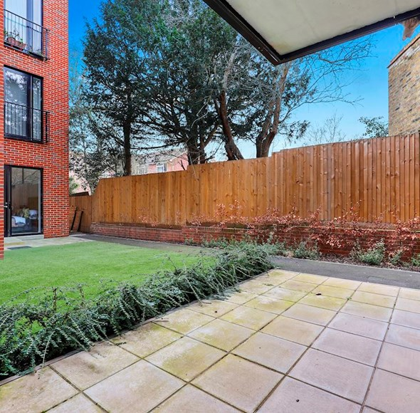Patio at Flat 1, 4a Thornlaw Road