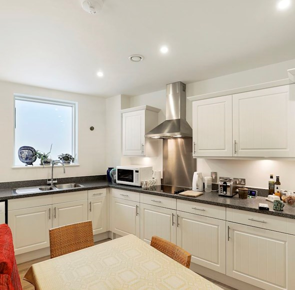 Kitchen at Flat 1, 4a Thornlaw Road