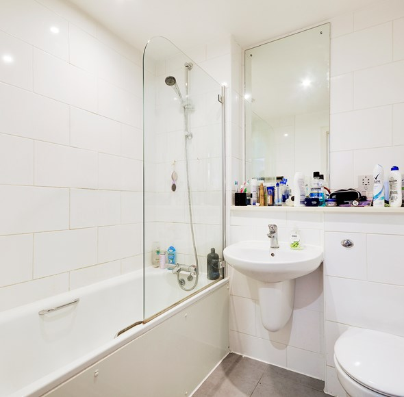 b45b1d8c-b6c1-49fb-a153-e13d82d69b0fsdnhh - flat 18 oak lodge - bathroom_1.jpg