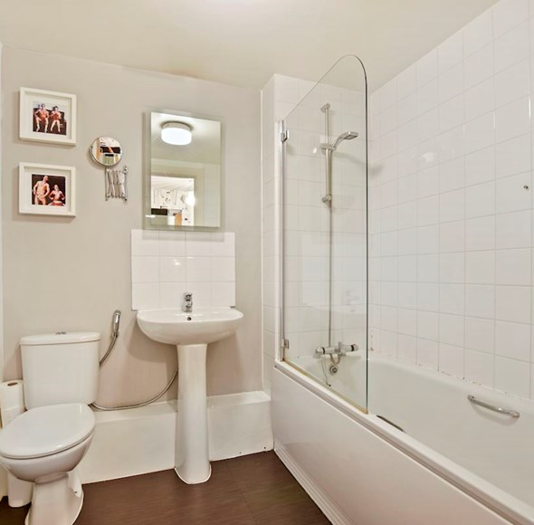 f218ab21-10ee-4b04-a382-e4ac90153bf6DNNHH - 122 Wingate Square - Bathroom3-medium.jpg
